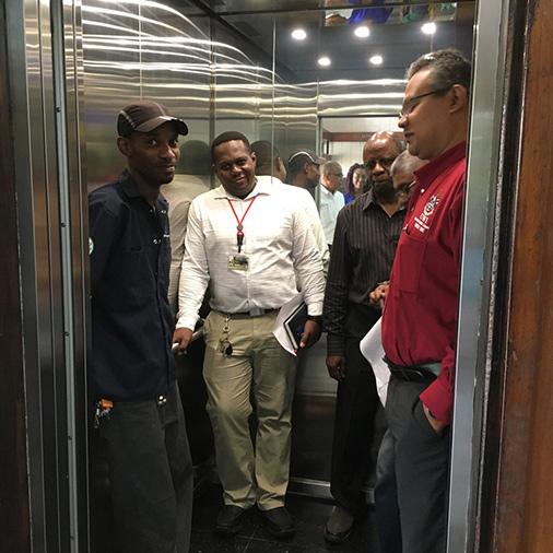 elevator etiquette for passengers